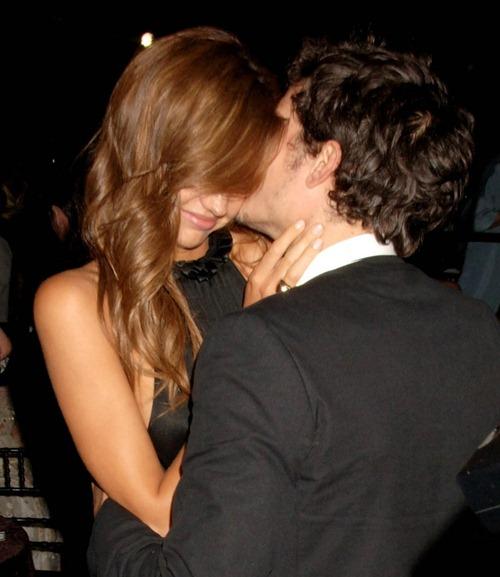 miranda-kerr-orlando-bloom-celebrity-couples-1622473-978-1222