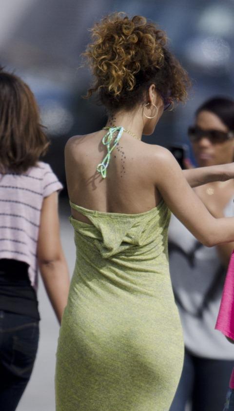 Rihanna - Leggy in Green Dress in Barbados-05-560x984
