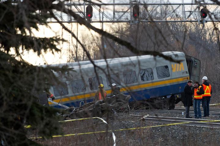 TA22612-TrainCrash4.jpg