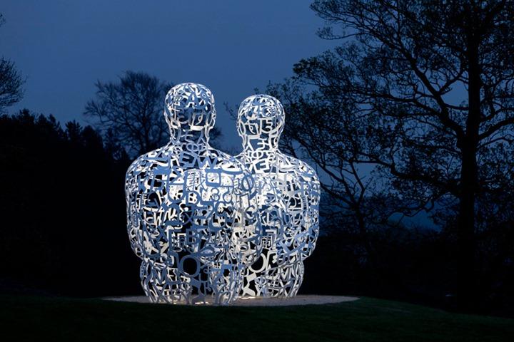 Удивительные скульптуры в парке Великобритании от Jaume Plensa