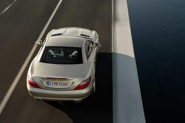2012_Mercedes-Benz_SLK_350_3000x2000_Rear_Top