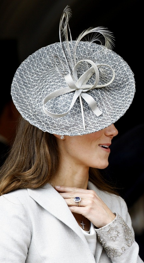 113481-kate-middleton-in-signature-style-at-order-of-the-garter-service