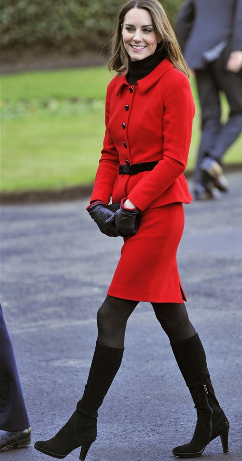 68763-kate-middleton-returns-in-red-regal-style-at-st-andrews