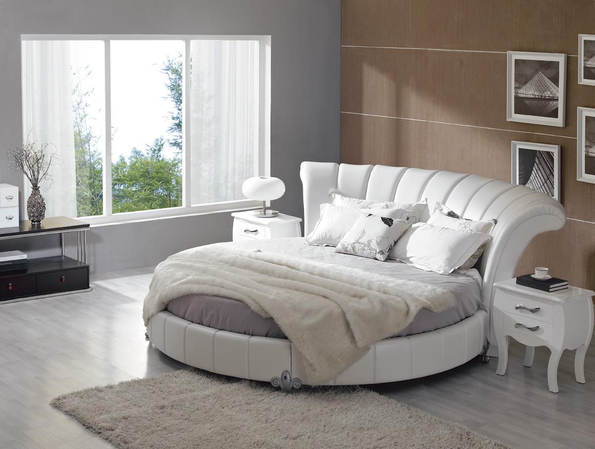 Круглая кровать — необычная мебель для интерьера спальни!