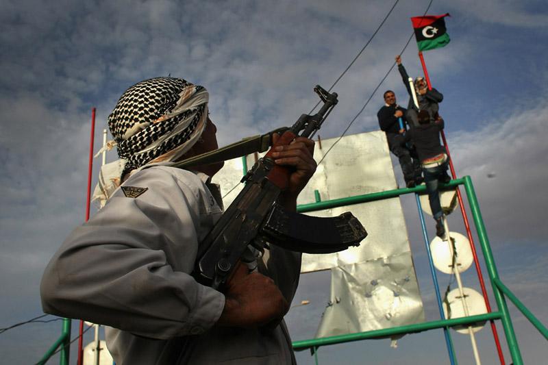 Ливийские повстанцы отражают нападение войск Кадаффи
